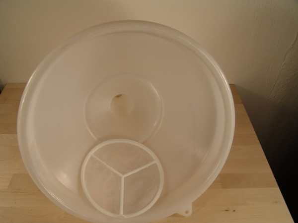 Trichter Kunststoff 30 cm mit Siebeinsatz